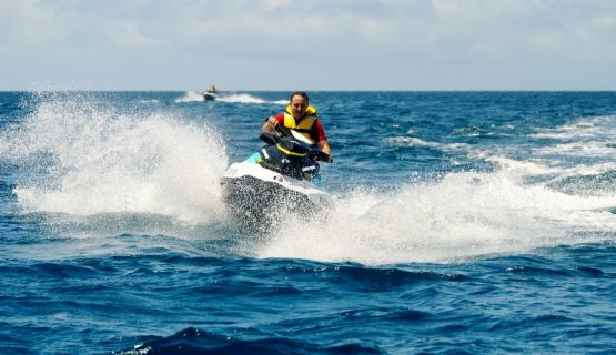 jet-ski-waves-gran-canaria