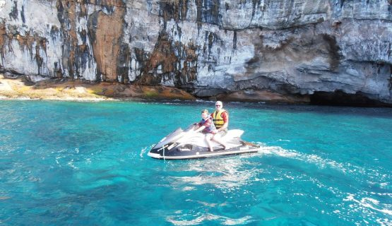 jet-ski-safari-visiting-caves-in-gran-canaria